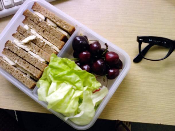 Sfaturi pentru un pranz energizant la birou