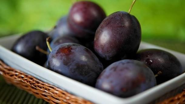 Dieta cu prune, un deliciu de toamna