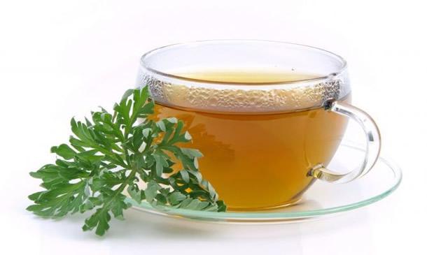 Cura de detoxifiere cu ceai de pelin, alege inteligent un ceai calmant