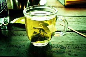 De ce e bine sa consumi ceai verde